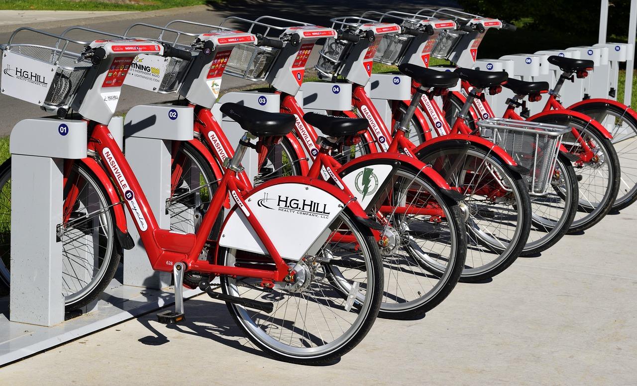 aparcamiento de bicis urbanas de alquiler