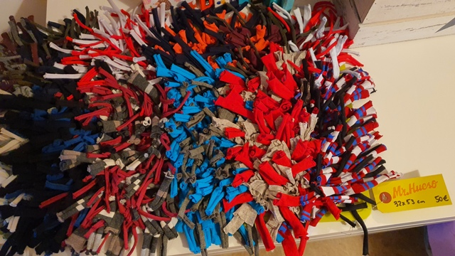 32 cm x 53 cm 50€ de colores variados, más de 10 diferentes